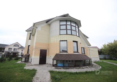 Продаётся 3-этажный дом, 310 м²