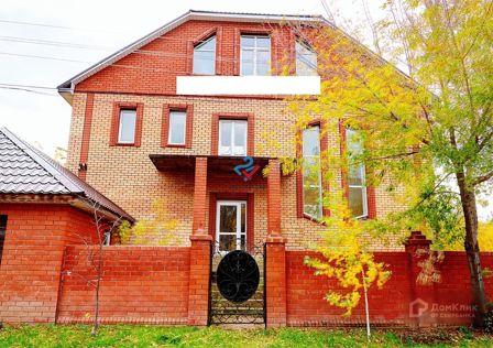 Продаётся 2-этажный дом, 481.9 м²