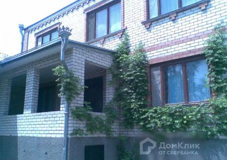 Продаётся 2-этажный дом, 303 м²