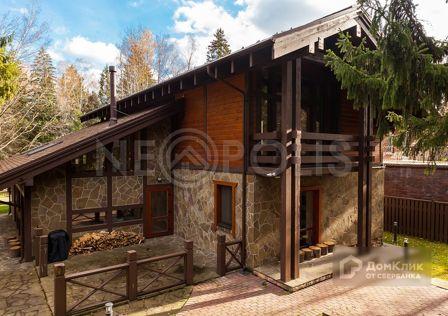 Продаётся 3-этажный дом, 328 м²