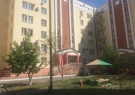 Продаётся 3-комнатная квартира, 140.2 м²