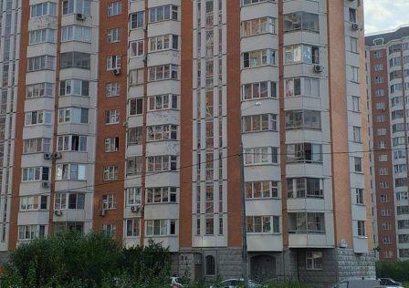 Продаётся 1-комнатная квартира, 37.8 м²