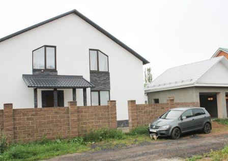 Продаётся 3-этажный дом, 140 м²