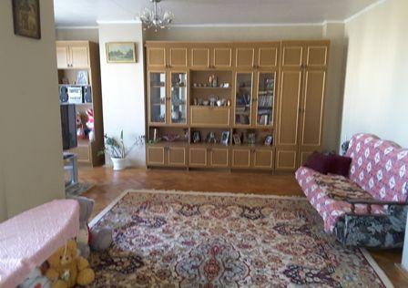 Продаётся 4-комнатная квартира, 136 м²