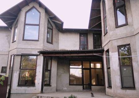 Продаётся 2-этажный дом, 290 м²