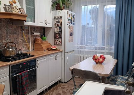 Продаётся 4-комнатная квартира, 79.3 м²