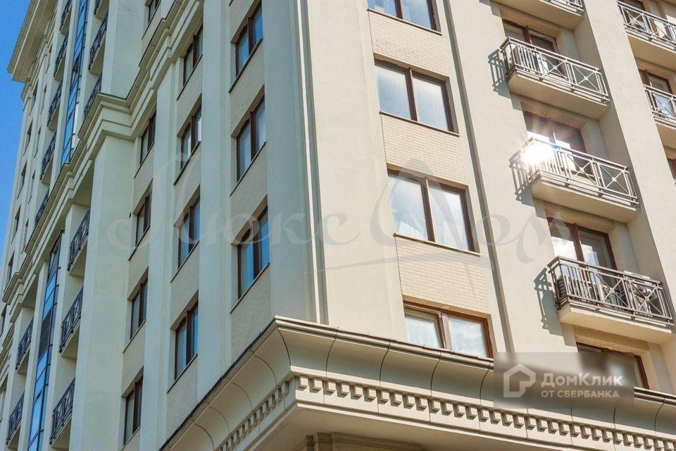 Продаётся 4-комнатная квартира, 133.9 м²
