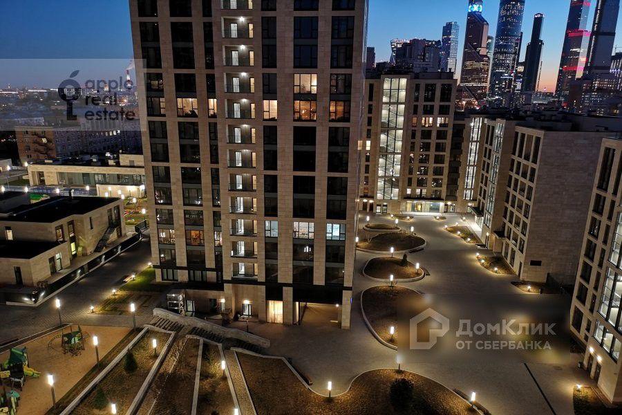 Продаётся 4-комнатная квартира, 153 м²