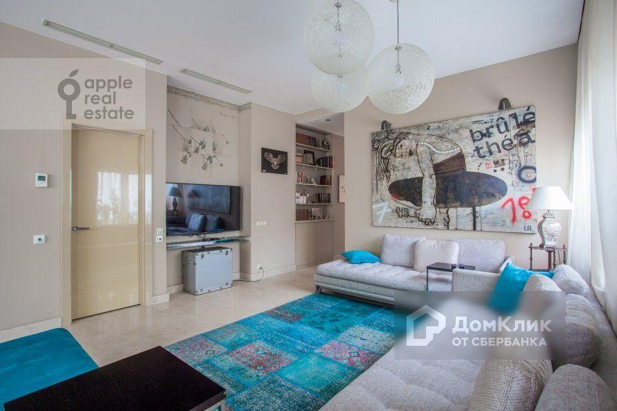 Продаётся 4-комнатная квартира, 139 м²
