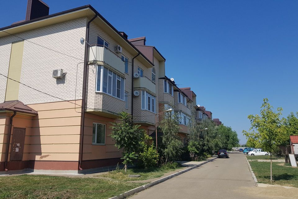 Продаётся 2-комнатная квартира, 61.7 м²